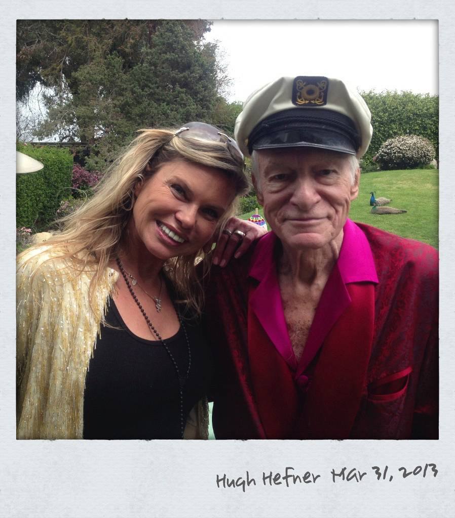 025-elke-jeinsen-hugh-hefner-celebrities-02